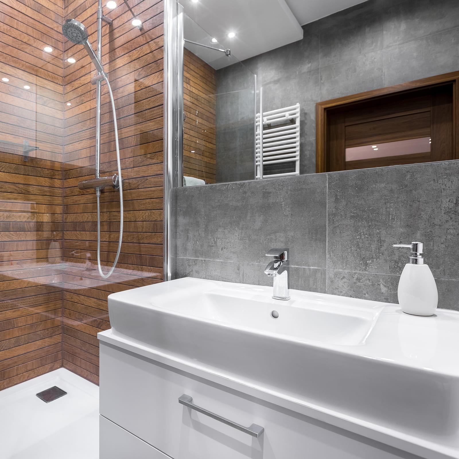 Appartement t2 46m dernier tage lunel 13896 ma petite for Boutique salle de bain